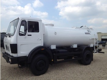 Camion cisternă Mercedes-Benz 1017 4x4 fueltruck/watertruck top condition