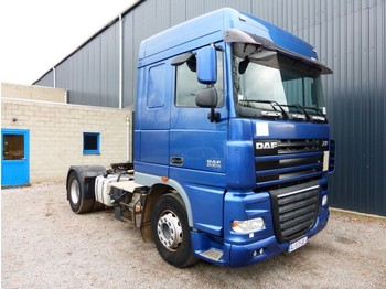 Cap tractor DAF XF 105 460 SPACECAB