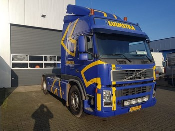 Cap tractor Volvo FM12 420 Globetrotter