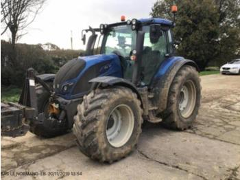 Valtra N174 - tractor agricol
