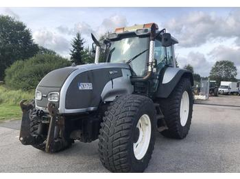 Tractor agricol Valtra T130