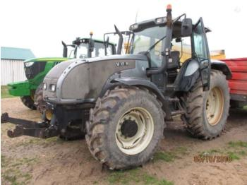 Tractor agricol Valtra T180