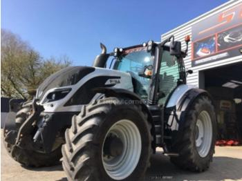 Tractor agricol Valtra T214 DIRECT