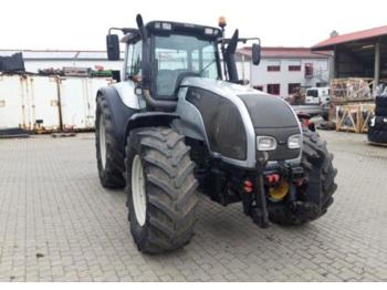 Tractor agricol Valtra T 170